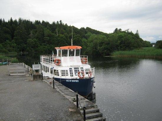 Villa Pio Bed & Breakfast and Luxury Apartment: lough corrib cruise boat