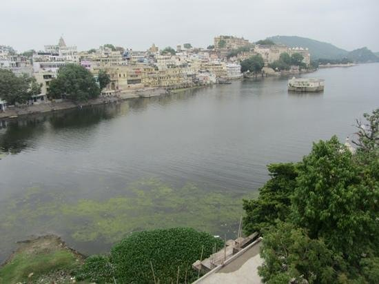 Hotel Hanuman Ghat: view from the rooftop restaurant