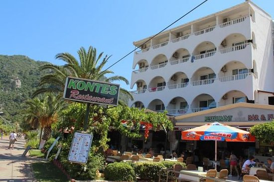 Kontes Restaurant: KONTES BEACH HOTEL