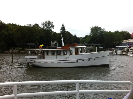 Star of Saugatuck II: Beautiful boat along the river cruise