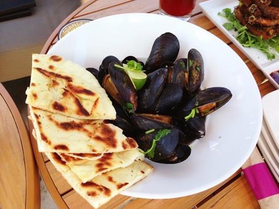 Sammy J's Grill & Bar: Mussels