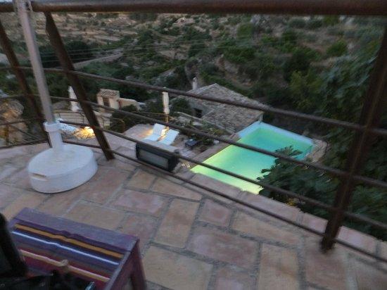 Hospederia Bajo el Cejo: Vista de la piscina