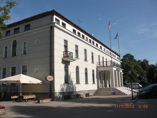 Kolonna Hotel Cesis: The hotel