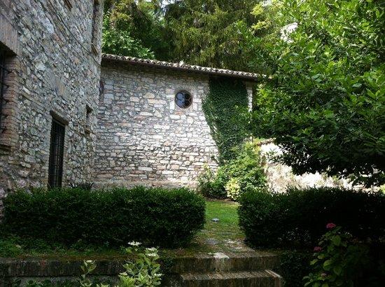 Antico Borgo di Gallano: From the mainintrance to the apartment