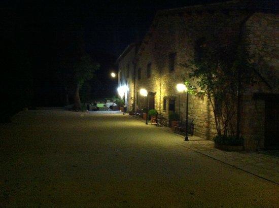 Antico Borgo di Gallano: Nightview from the Antico