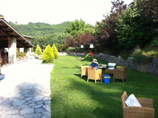 Antico Borgo di Gallano: From the outdoor common area