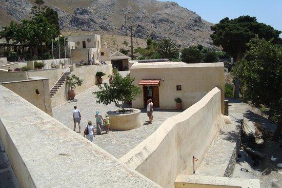 Enjoy Crete: Historic monasteries
