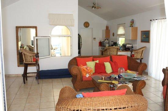 Villa Sol Palmas: Living room & Kitchen