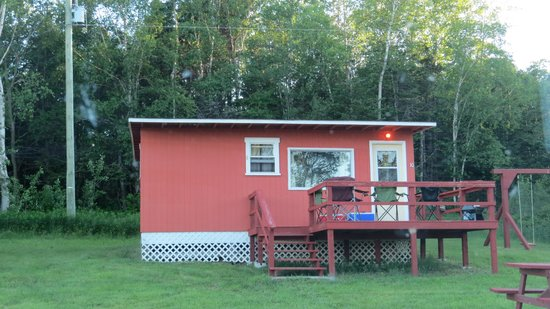 Pinetree Lodge and Cabins : Our lil cabin
