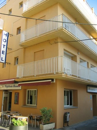 Hotel Bonaire: Entrada y restaurante