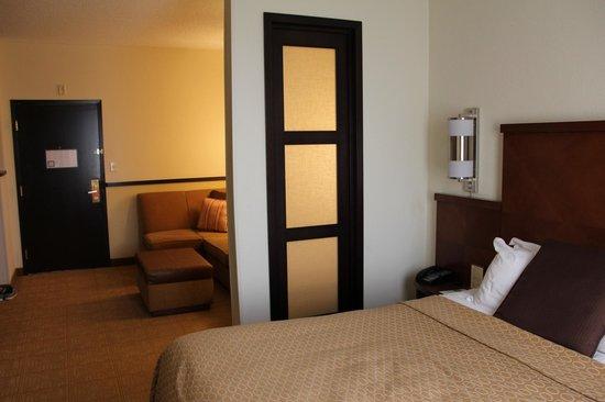 Hyatt Place Atlanta Airport North: Good bed