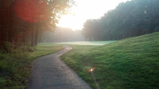 Toftrees Golf Resort: Sunrise over golf course