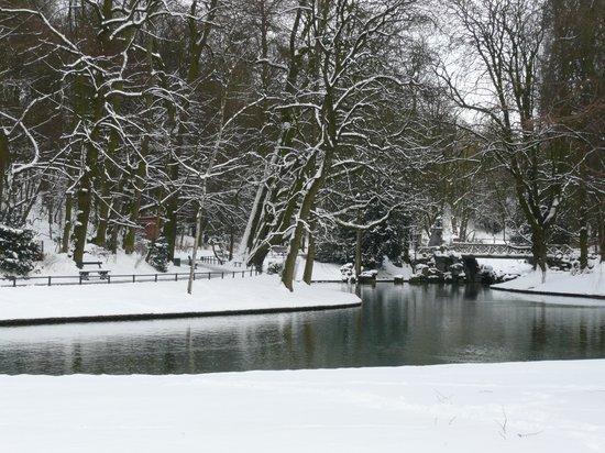 Parc Josaphat: Snowy Solitude