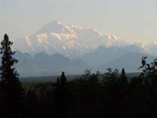 Talkeetna Alaskan Lodge: Mt. McKinley at 2am
