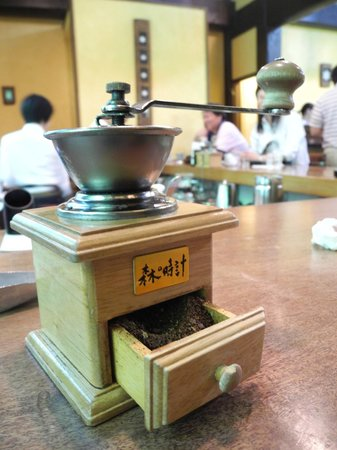 Ningle Terrace: Order a hot coffee and you get to grind the beans yourself!