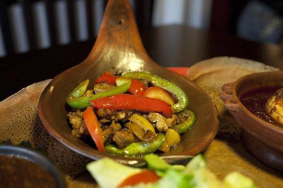 Selam: Lamm gebraten  in äth. Kräuterbutter und Rosmarin.