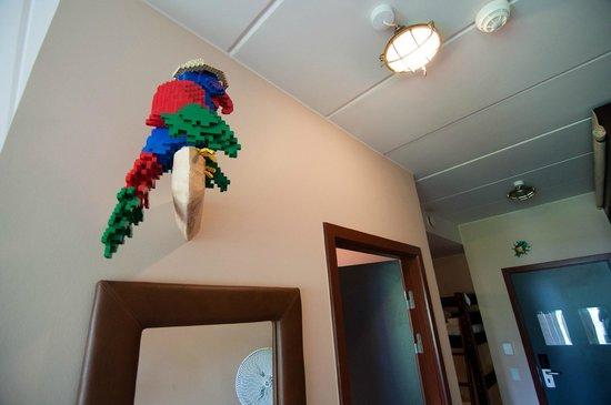 Hotel LEGOLAND: papegøjen på værelset