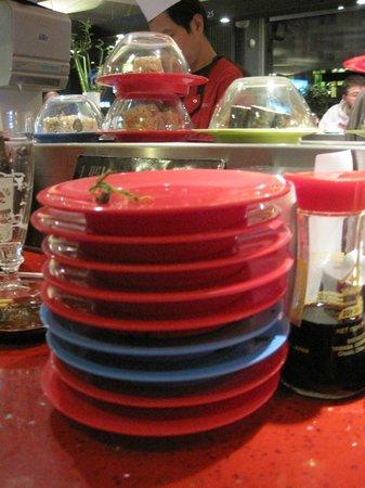 Sushi am Ring: Le prix dépend de la couleur des assiettes si vous ne prenez pas la formule all in