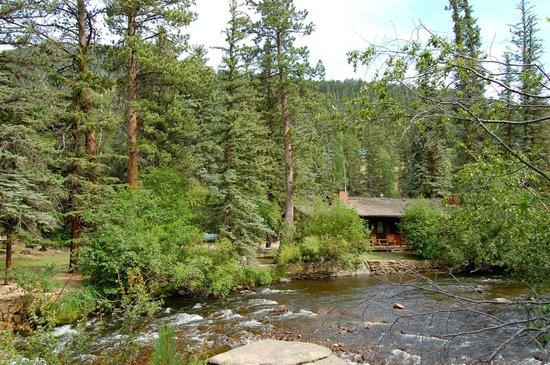 Glacier Lodge: A glimpse of the cabin
