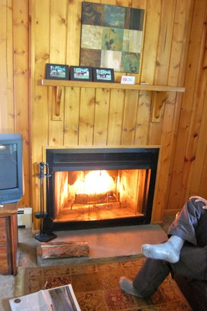 Glacier Lodge: Cozy up by the fire