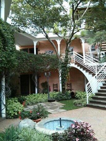 Hotel Ciudad Vieja : Beautiful gardens