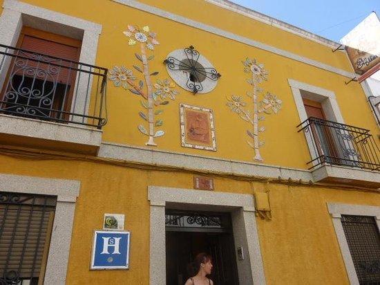 Hostal El Alfarero: FACHADA DEL HOTEL