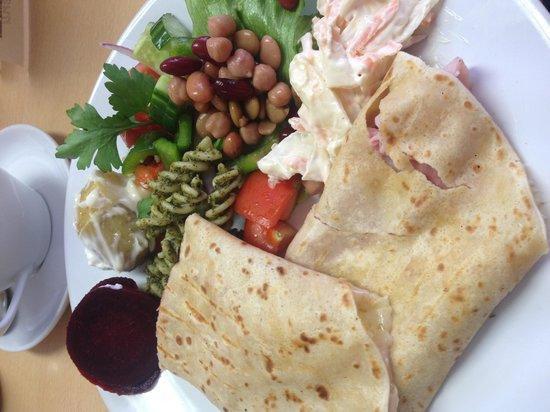 Bruks Coffee Shop : Beautiful ham & cheese crepe