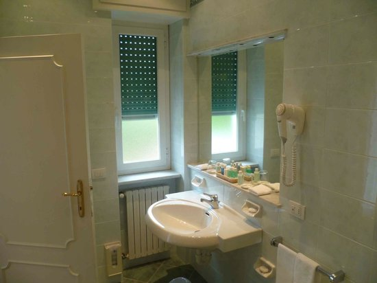 Grand Hotel Miramare: Bathroom 303