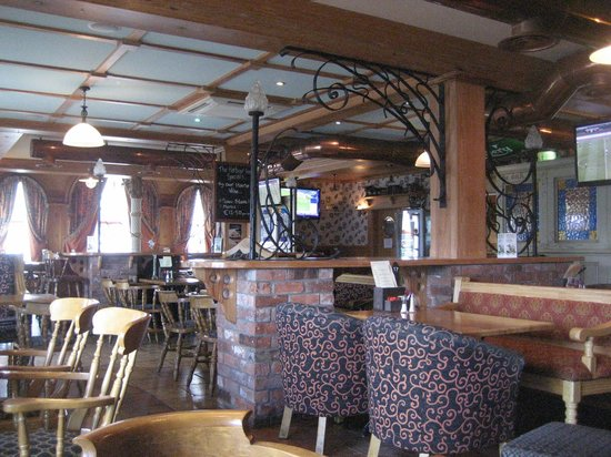 The Harbour Inn: More seating