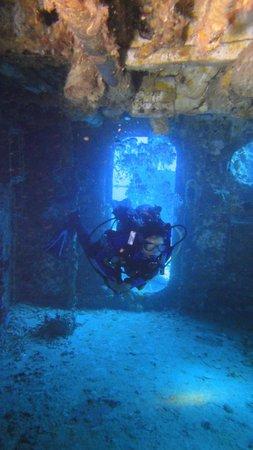 uss spiegel grove picture of ocean divers key largo tripadvisor. Black Bedroom Furniture Sets. Home Design Ideas