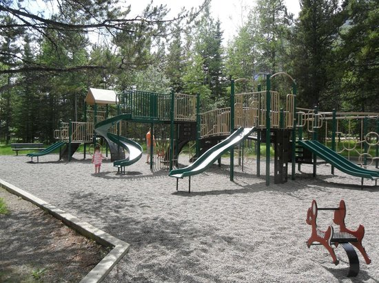 Delta Hotels by Marriott Kananaskis Lodge: The outdoor playground