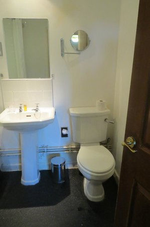 Hunter's Hall Inn: Bathroom 1