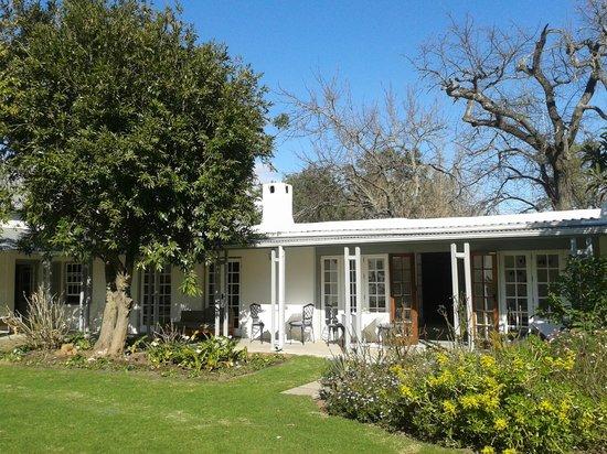 Greyton Lodge : Lodge and gardens