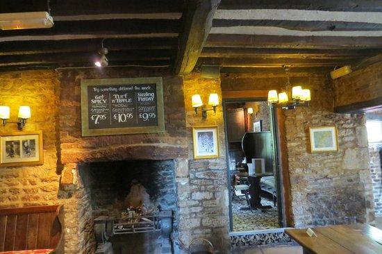 Hunter's Hall Inn: Reception 2