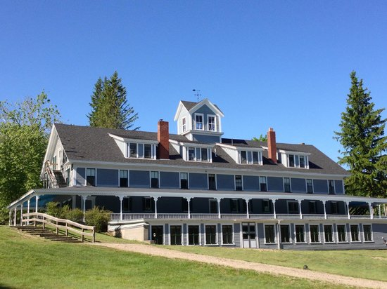 Geneva Point Center on Lake Winnipesaukee: The Winnipesaukee Inn