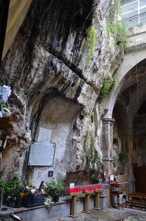 Santuario Santa Rosalia: Outdoor nave - left