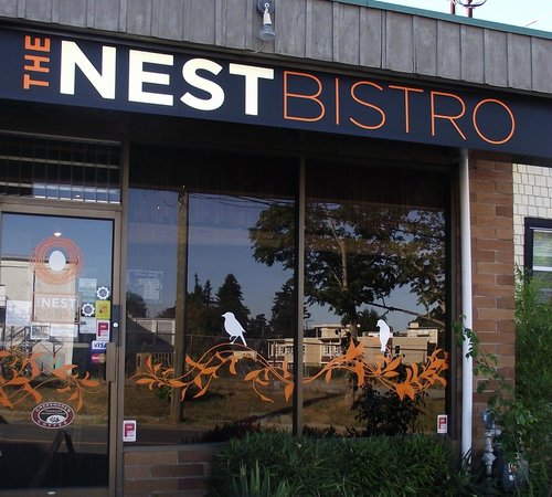 The Nest Bistro: Unassuming exterior....