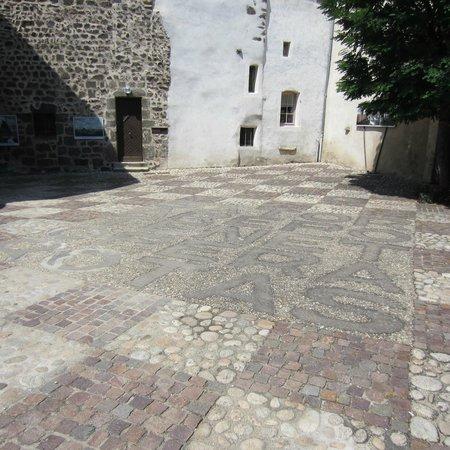 Chapelle St. Michel d'Aiguilhe: Le carré magique