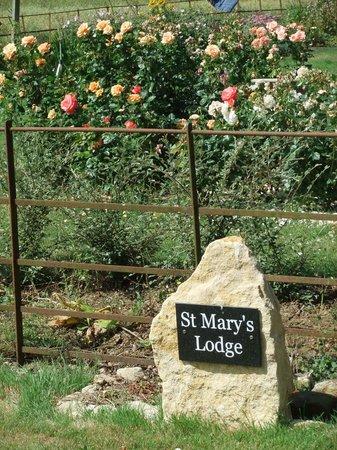 St Mary's Lodge B&B: Garden views
