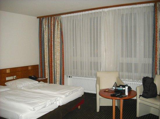 Astor Hotel: Camera a tre letti