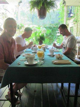 Sir Montcalm: breakfast joy