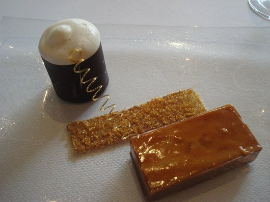 Gidleigh Park Restaurant: caramel and cardamon