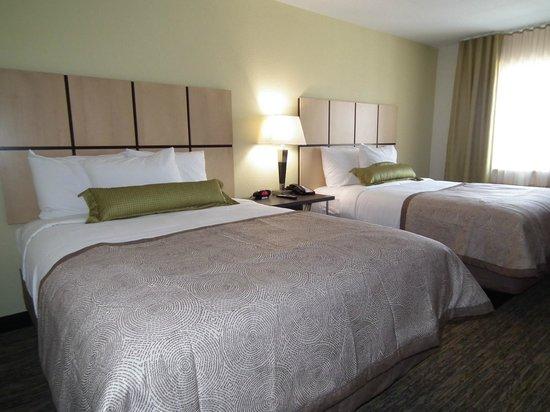 Candlewood Suites New Braunfels: Double Queen Bedroom