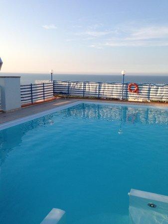 Hotel Atlantic Riviera: PISCINA PANORAMICA