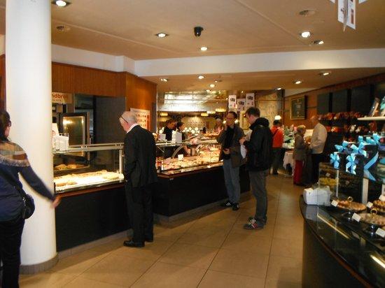 Konditorei & Cafe Heini: Entrance