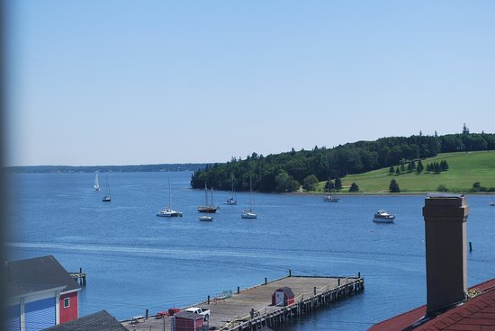 Lunenburg Arms Hotel: Room View