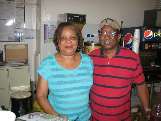 Magnolia 23: Always friendly proprietors -- Doris & Don Simmons