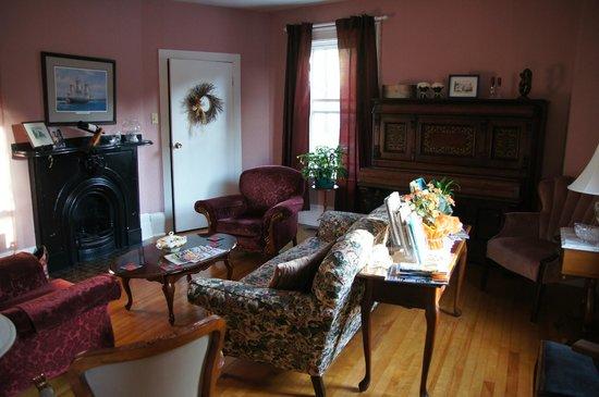 Willow House Inn: Aufenthaltsraum