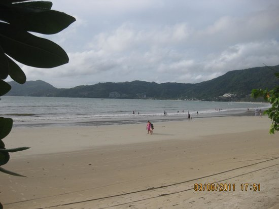 Centara Kata Resort Phuket: Fantastisk god strand
