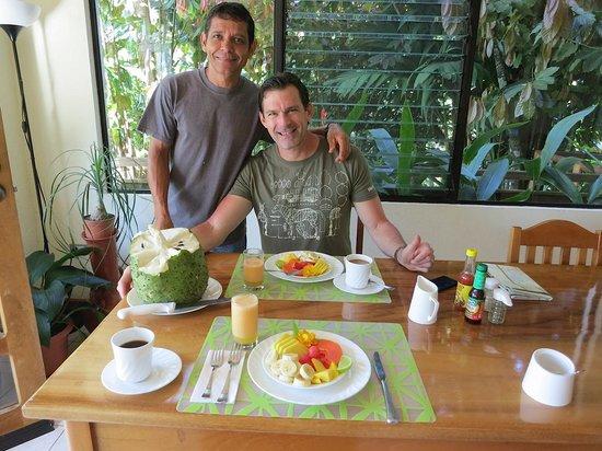 Villa Decary : Wonderful breakfast--Elkin